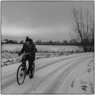 DSC_4935 Jo op de fiets