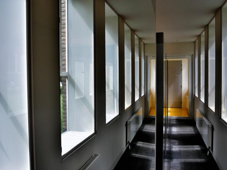P1090126 corridor